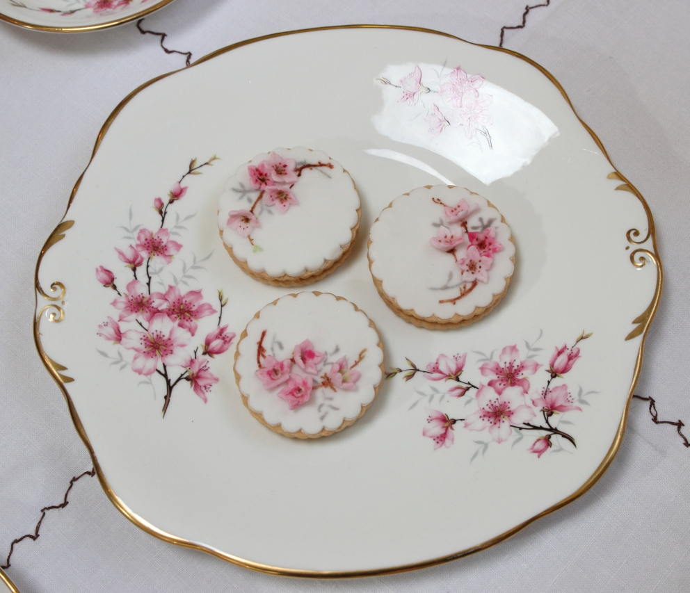 Vintage themed iced biscuits: pink floral